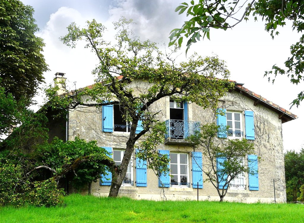 Achat vente maison de 9 pi ces gondrecourt le chateau for Achat maison par agence immobiliere