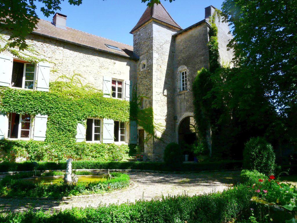 ACHETER Château port sur saone